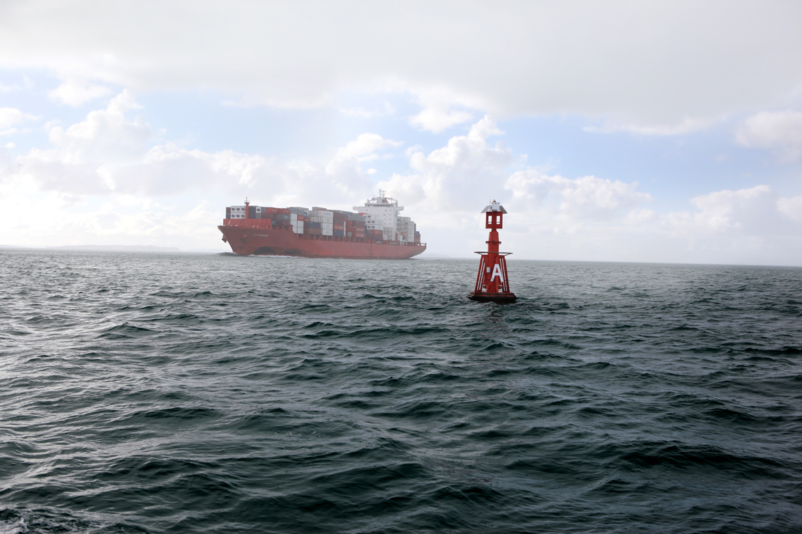 Guy_Robinson_corporate_photographer_auckland_cargo_ship